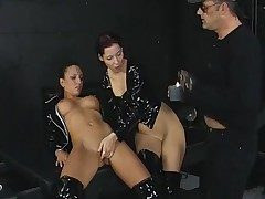 Three way in the basement with black latex gals