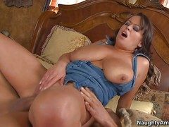 Brandy Talore is a milffy womaan with massive natural tits